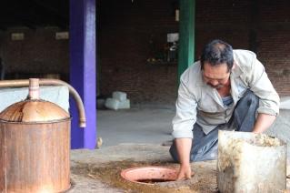 Making a paste seal